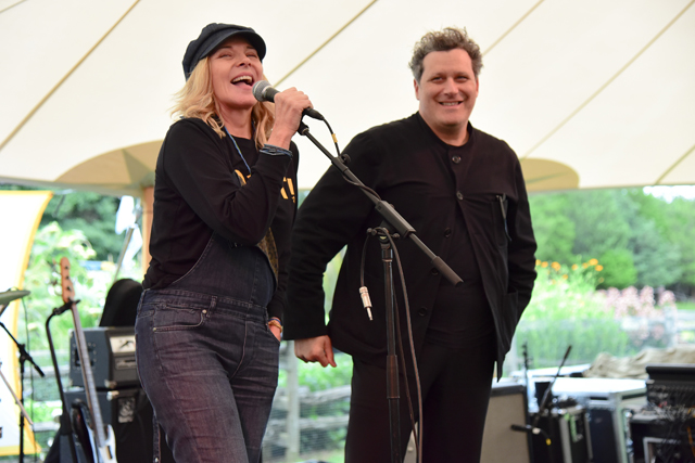 Kim Cattrall and Isaac Mizrahi